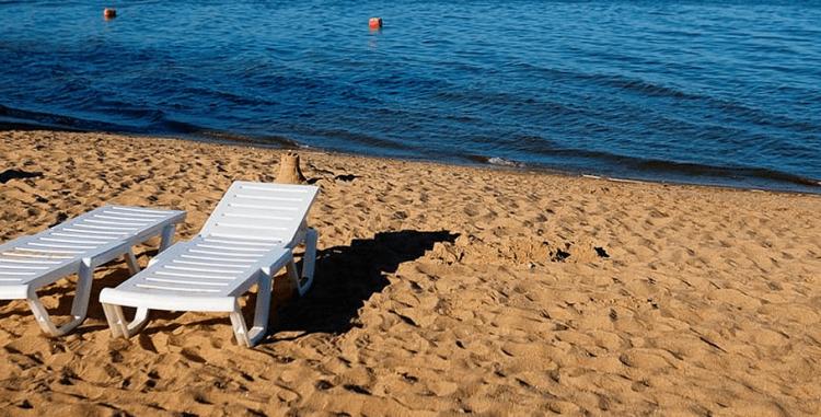 с 10 июня 2021 г. начал работать пункт проката на пляже